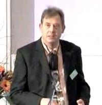 Foto von Prof. Schulte-Körne während eines Vortrags